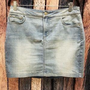 NYDJ Light Wash Mini Denim Skirt